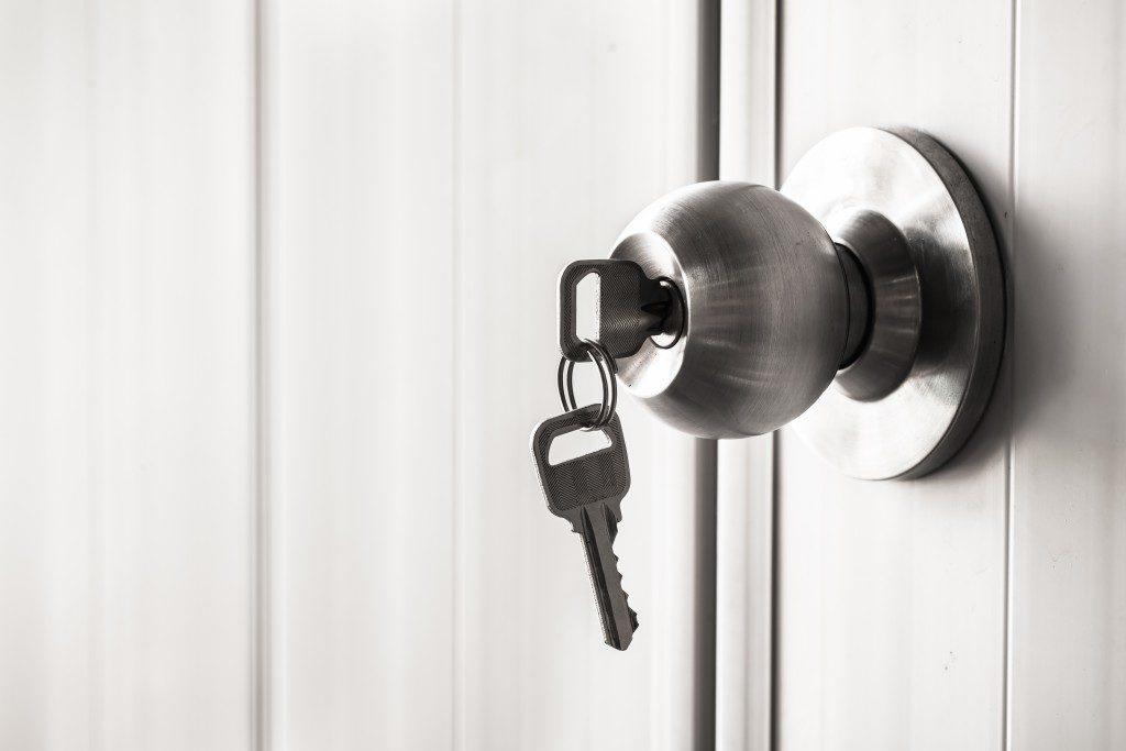 home key on stuck in the door knob