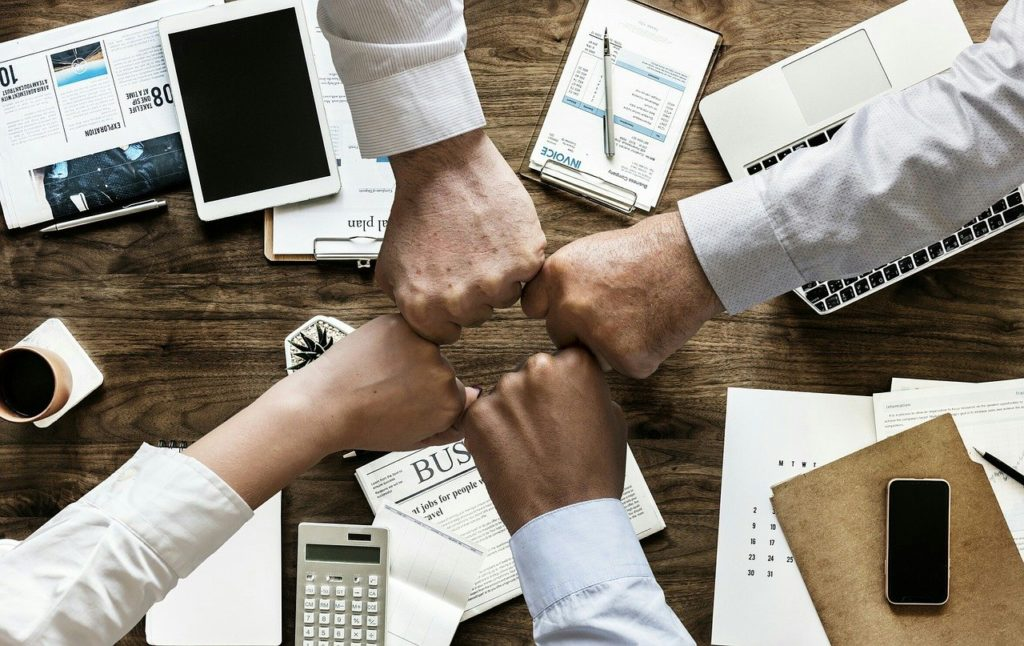 executives-team-up