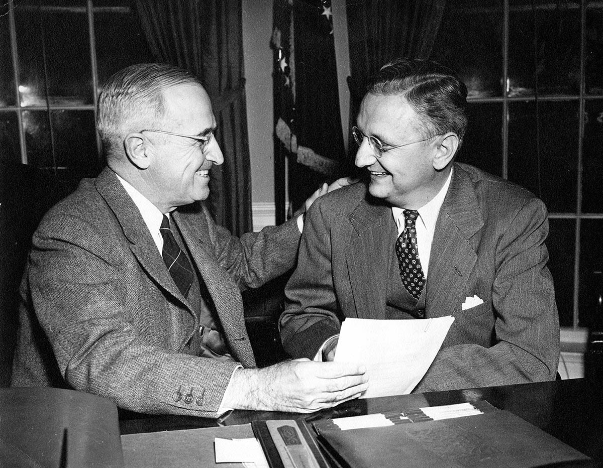 harry-s-truman-in-the-white-house